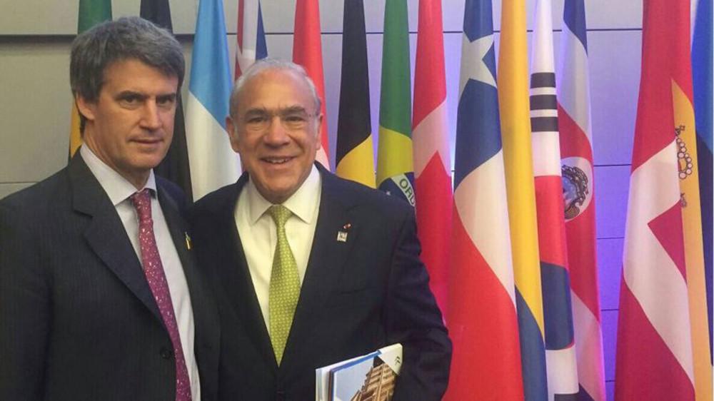 Alfonso Prat Gay junto al secretario general de la OCDE, Ángel Gurría