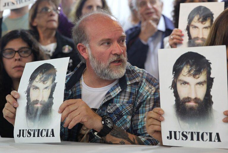 Sergio Maldonado pidiendo justicia por su hijo
