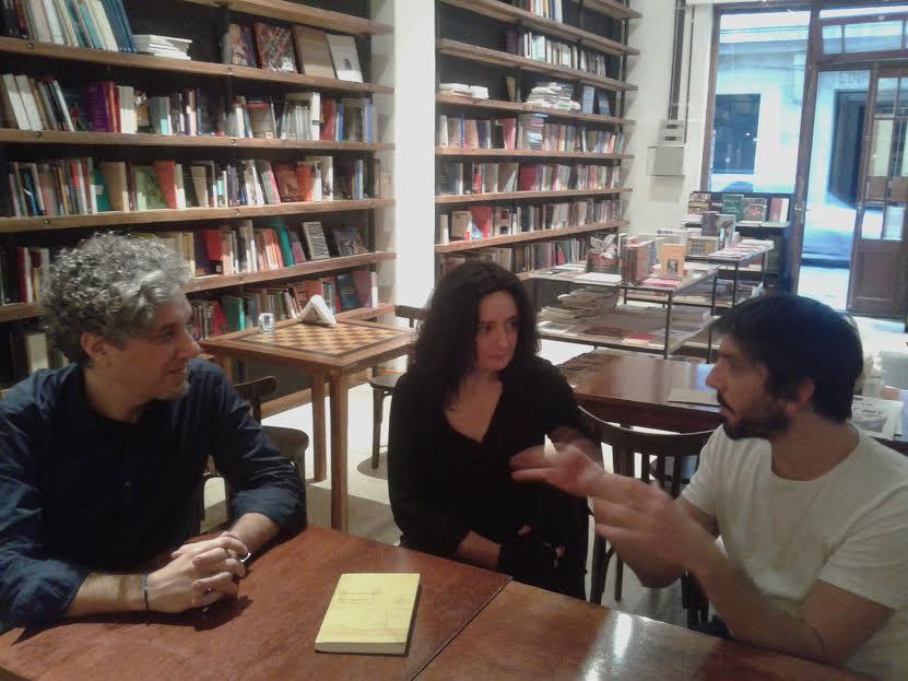 Silvia Schwarzböck con los editores Gabriel D´Iorio y Diego Caramés